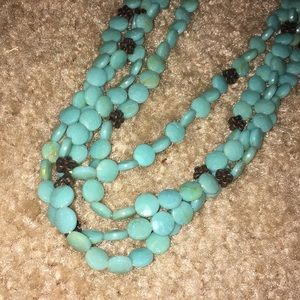 Jewelry - Mutistrand turquoise short necklace